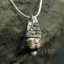 จี้ จี้เงินแท้ ตัวเรือนฝังแมกกาไซต์ ประดับ Murano Beads สีน้ำเงิน