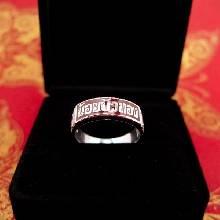 แหวนนามสกุล แหวนเงินแท้ 925 หน้ากว้าง 6 มิล ทรงแหวนหน้าเรียบท้องวงแคบ ตัวเรือนแกะลาย ลงยาพื้นสีแดง