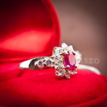 แหวนพลอยทับทิม พลอยสีแดง ล้อมรอบด้วยเพชร #5