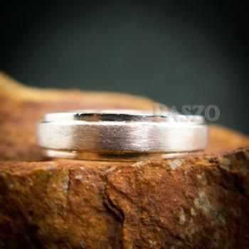 แหวนขอบลดระดับ หน้ากว้าง4มิล ปัดด้าน #5