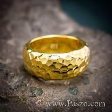 แหวนทองเกลี้ยง แหวนกว้าง8มม ตอกลายค้อนช่างทอง แหวนเกลี้ยง แหวนหน้าโค้ง