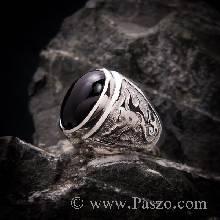 แหวนเงินลายมังกร ฝังพลอยนิลหลังเบี้ย  แหวนเงินผู้ชายพลอยนิล สีดำ เจียรหลังเบี้ย
