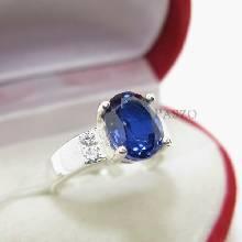 แหวนพลอยไพลิน บ่าแหวนประดับเพชร แนวขวาง แหวนเงินแท้ 925