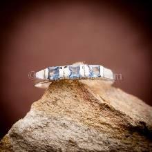 แหวนพลอยสีน้ำทะเล อความารีน แหวนเงินแท้ พลอยสีฟ้า เม็ดสี่เหลี่ยม แหวนขนาดเล็ก
