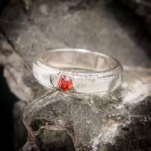 แหวนโกเมน แหวนเงินแท้ พลอยโกเมนสีส้ม บ่าลดระดับ
