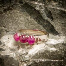 แหวนทับทิม แหวนเงินแท้ พลอยสีแดง พลอยหลังเบี้ย 3เม็ด แหวนพลอยสีแดง