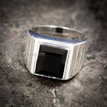 แหวนนิลแท้ แหวนผู้ชาย นิลแท้ พลอยสีดำ เม็ดสี่เหลี่ยม แหวนเงินแท้ 925