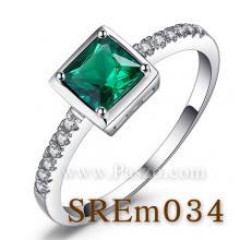 แหวนมรกต แหวนพลอยสีเขียว เม็ดสี่เหลี่ยม แหวนเงินแท้