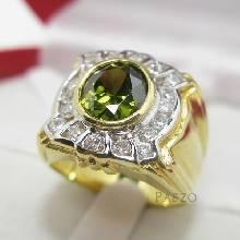 แหวนผู้ชาย พลอยเขียวส่อง ล้อมเพชร แหวนทองผู้ชาย