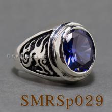 แหวนมังกร แหวนไพลิน แหวนพลอยผู้ชาย แหวนเงินแท้ แหวนพลอยสีน้ำเงิน สลักลายมังกร รมดำ แหวนผู้ชาย