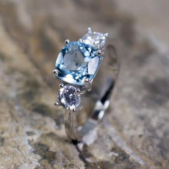 แหวนพลอยอะความารีน เม็ดสี่เหลี่ยม ประดับเพชร #6