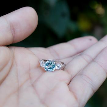 แหวนพลอยอะความารีน เม็ดสี่เหลี่ยม ประดับเพชร #9
