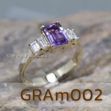 แหวนพลอยสีม่วง แหวนทอง18k พลอยอะเมทีส เม็ดสี่เหลี่ยม บ่าฝังเพชร