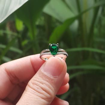 แหวนพลอยมรกต พลอยทรงหยดน้ำ ประดับเพชร #6