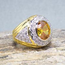 แหวนผู้ชายพลอยสีเหลือง ล้อมเพชร แหวนชุบทอง
