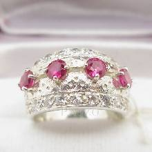 แหวนพลอยทับทิม แหวนทรงคลาสสิก ฝังพลอยสีแดง 4 เม็ด ฝังเพชร แหวนเงินแท้925