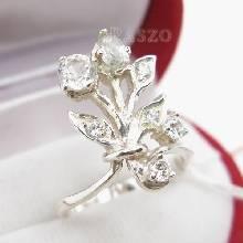 แหวนเพชร แหวนช่อดอกไม้ ฝังเพชร แหวนเงินแท้ แหวนเงินฝังเพชร