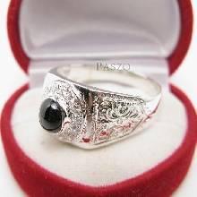 แหวนผู้ชาย ฝังนิลแท้ ล้อมรอบด้วยเพชร ตัวเรือนแหวนเงินแท้ แกะลายไทย