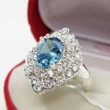 แหวนเงิน แหวนพลอยสีฟ้า ล้อมเพชร แหวนรุ่นใหญ่
