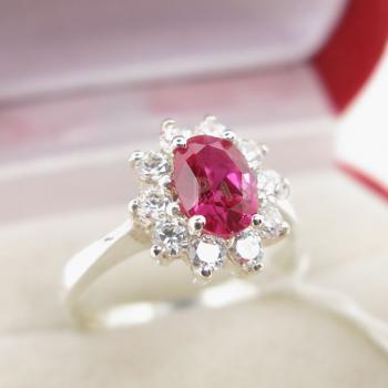แหวนทับทิม พลอยสีแดง ล้อมเพชร #3
