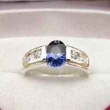 แหวนพลอยไพลิน ประดับเพชร ตัวแหวนเงินแท้ 925