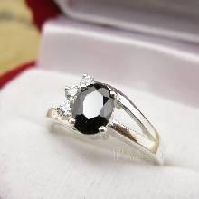 แหวนเงิน ฝังนิลประดับเพชร แหวนนิล อัญมณีสีดำ