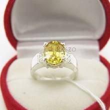 แหวนพลอยสีเหลือง บ่าเพชร แหวนเงินแท้ แหวนขนาดกลาง