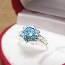 แหวนพลอยสีฟ้า บลูโทพาซ ประดับเพชร ตัวแหวนเงินแท้ 925