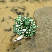 แหวนมรกต พลอยสีเขียว แหวนเงินแท้ พลอยมรกต หรูหรา